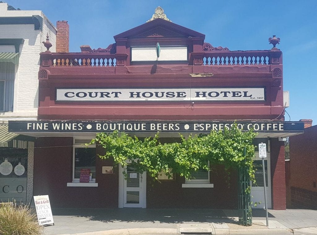 Court House Hotel Ararat, Country Airstrips Australia